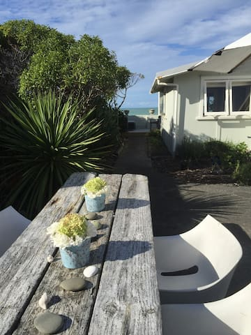 Studio by the Sea - Te Awanga