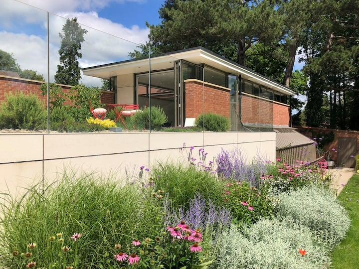 New | Gardener's Pavilion | Malvern