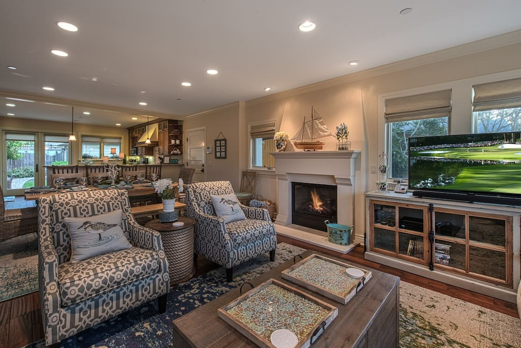 Great Room - gas fireplace.