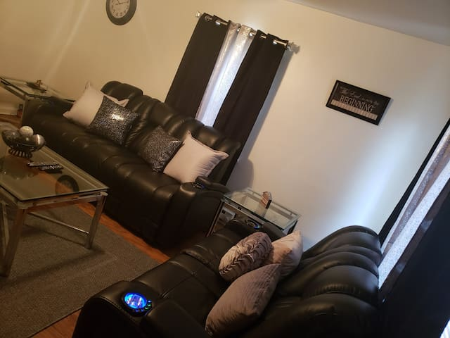 King Suite 10 mins from Downtown Cincinnati