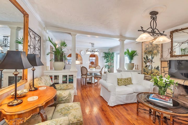 ★Tropical Designer House in ♥ of Antique Row WPB★