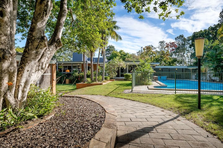 Spacious Hideaway Retreat | Group Accommodation
