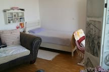 Cozy and Quiet Place close to Munich! Full Apt.