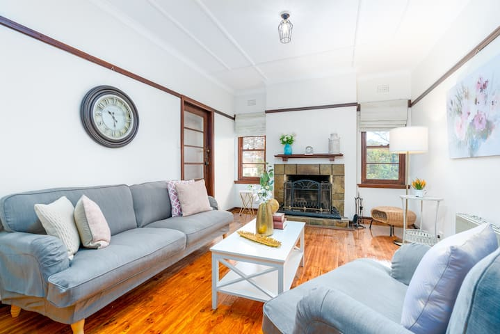 Classic Ainslie House for Short/Long Term Rentals