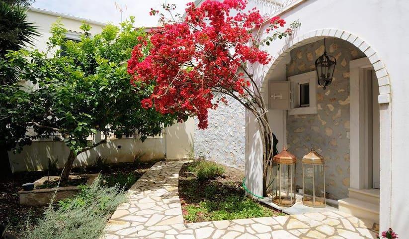 Elina House   Paxos Retreats