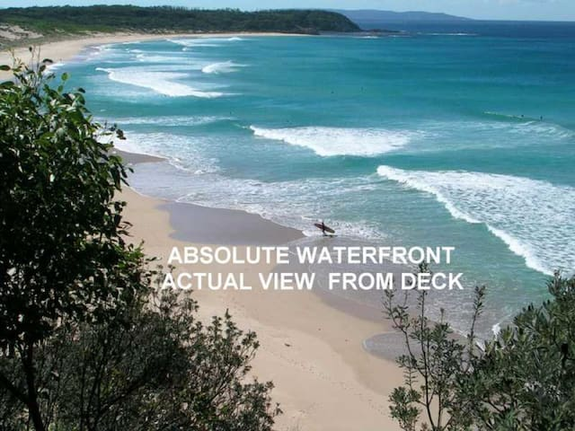Manyana Beach Break situated on absolute waterfront overlooking Inyadda Beach. WIFI Available