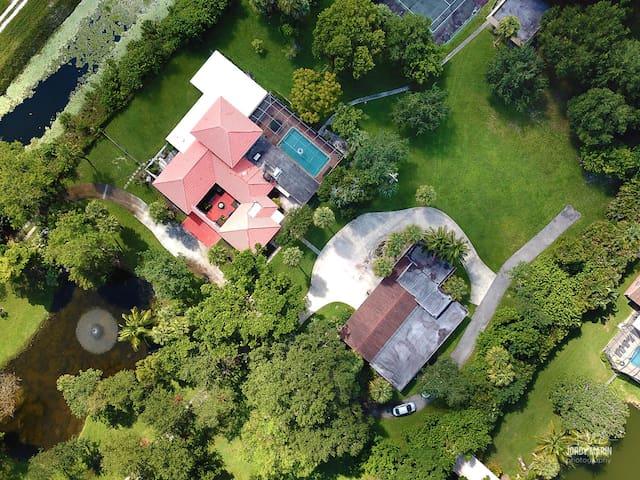 "4 Acre Property & Mansion Sleeps 28 ""The Hacienda"""