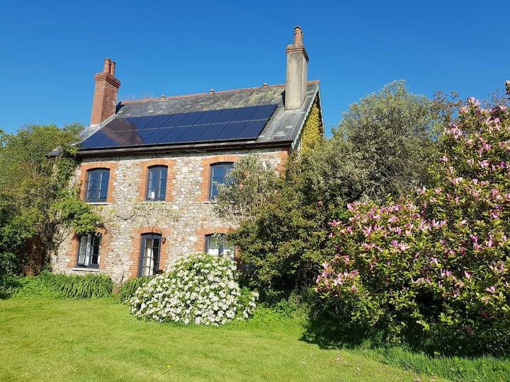 Stylish garden flat in the Blackdown Hills (AONB)