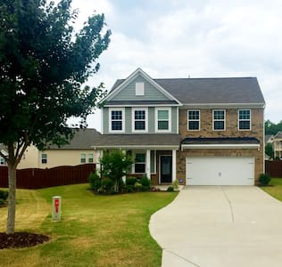 Cozy, Comfortable, and Quiet Neighborhood Home! - Fort Mill