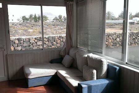 Habitación doble en Lajares, pueblo surfero - Lajares