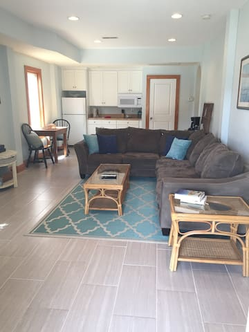 Private Two Bedroom Beach Getaway! - Kill Devil Hills - Apartment