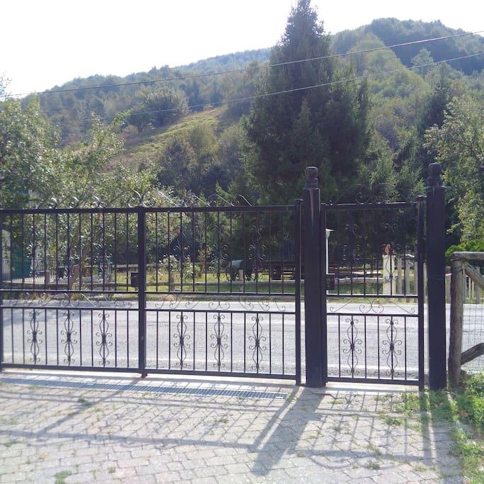 Vista dal cancello