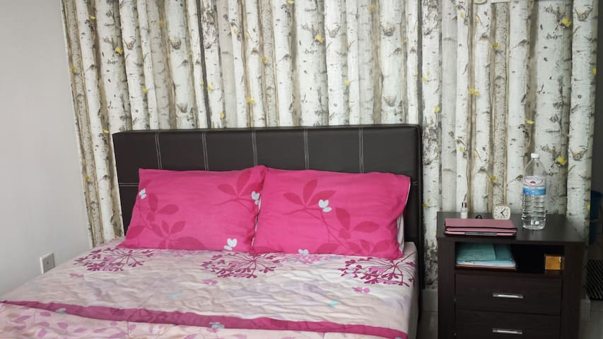 Home Stay @ Casa Tiara Service Apartment