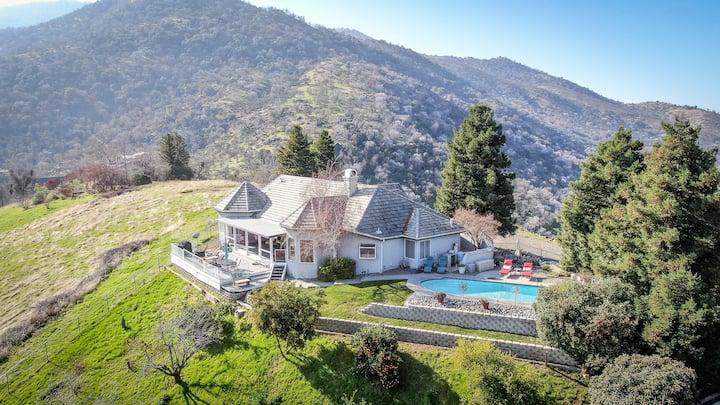Sequoia Ridgetop Home - Breathtaking Views & Pool!