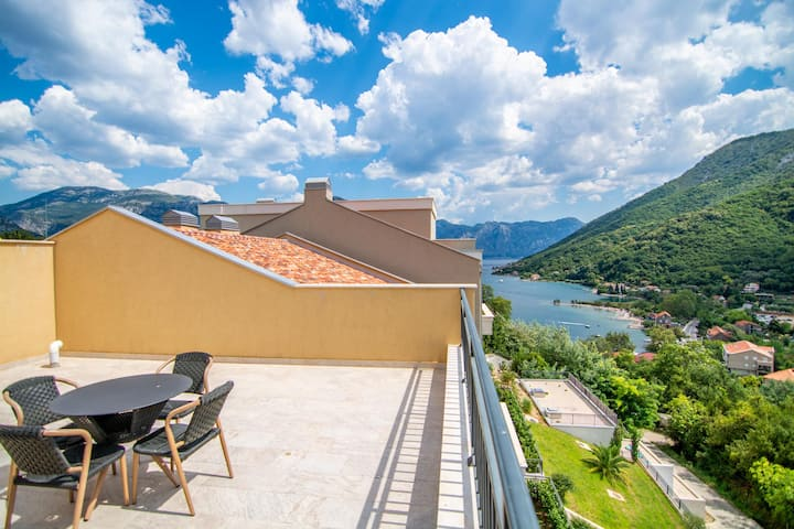 Dream Penthouse on Bay of Kotor