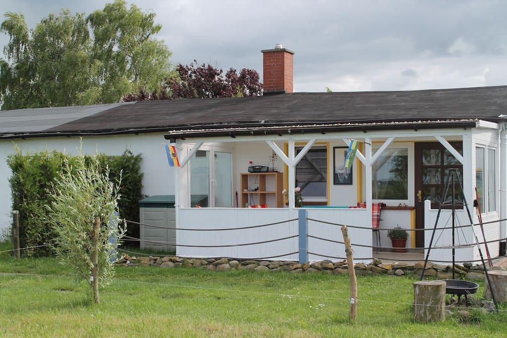 gem tlicher bungalow mit berdachter terrasse h user zur miete in insel poel ot f hrdorf. Black Bedroom Furniture Sets. Home Design Ideas