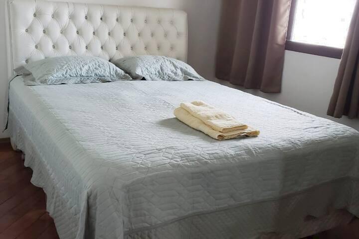 Comfy full bedroom with breakfast in Alphaville