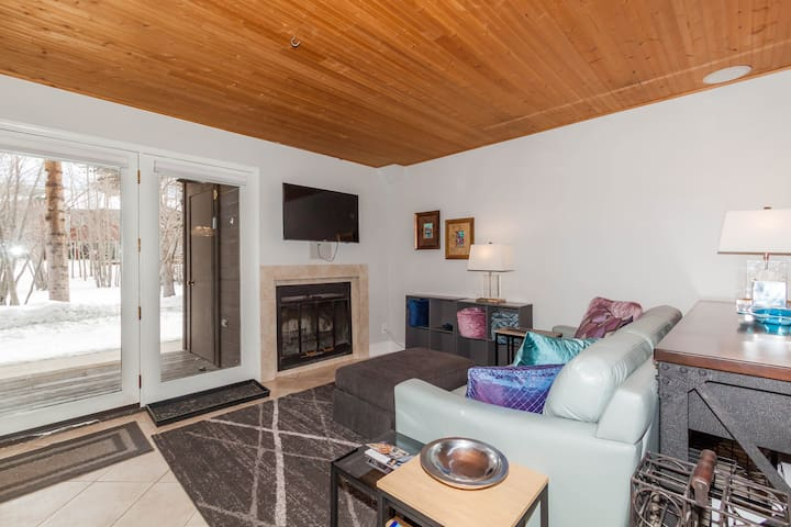 101 Forest Drive, Unit D, Spacious Updated Studio