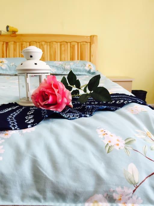 舒适温馨卧室-1