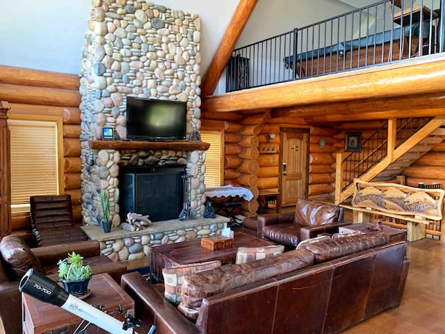 Luxury Log Retreat with Views and Tesla Charger