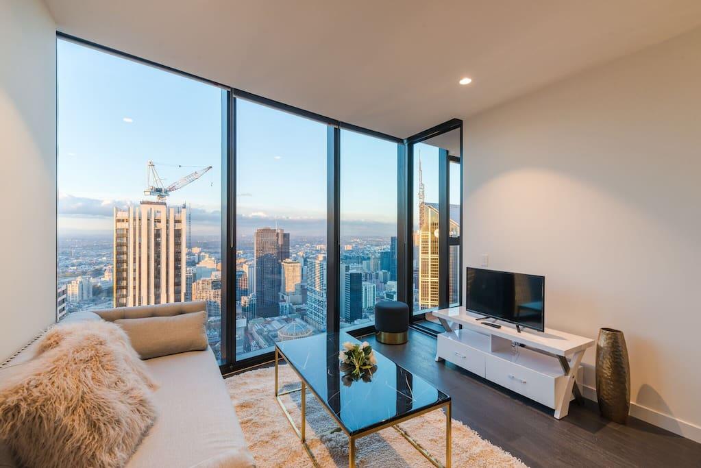 Eq Tower Luxury 2 Bedroom Skyline Cbd Apartment