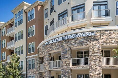 Buckhead Apartment Bedroom - Atlanta - Apartment