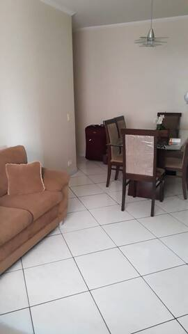 Apartamento, 1 quadra da praia da Enseada, Guarujá