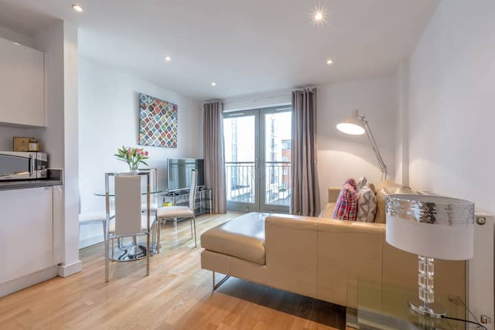 Stylish Town Centre Apartment