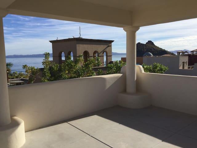 Loreto Bay-Close to the beach FN523