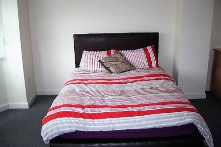 Birmingham Guest House 12, Room 2 - Oldbury