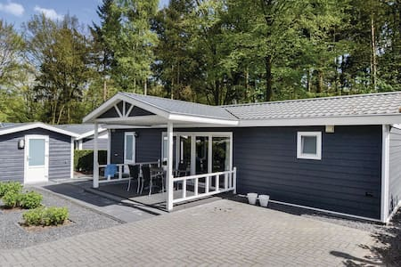 Holiday cottage with 2 bedrooms on 54m² in Rhenen