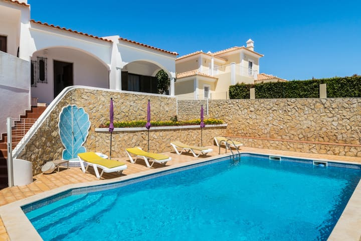 Rosen Villa, Quarteira, Algarve !New!