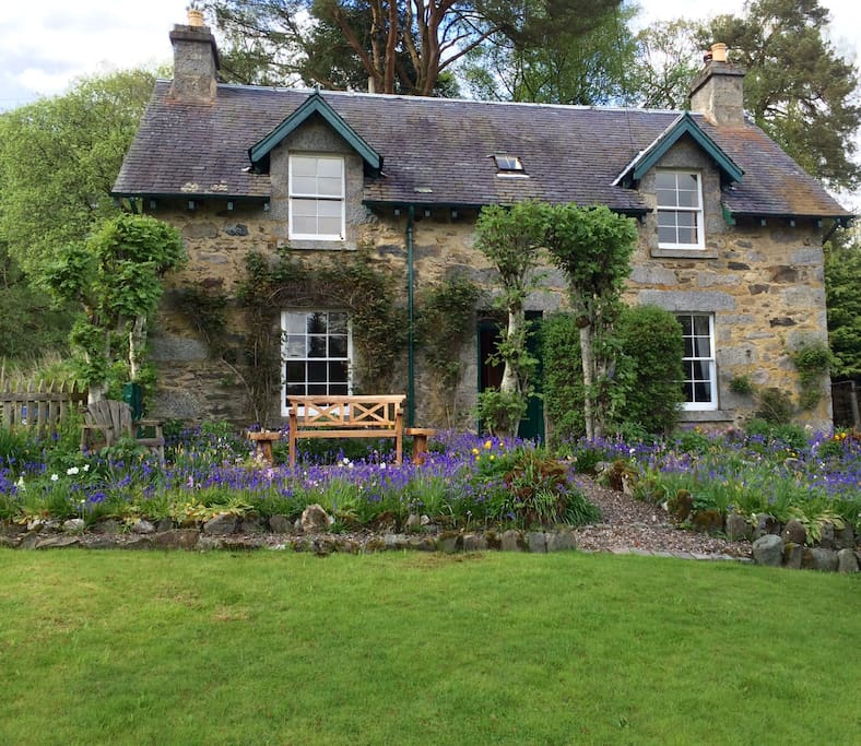 A Traditional Scottish Cottage, Perthshire