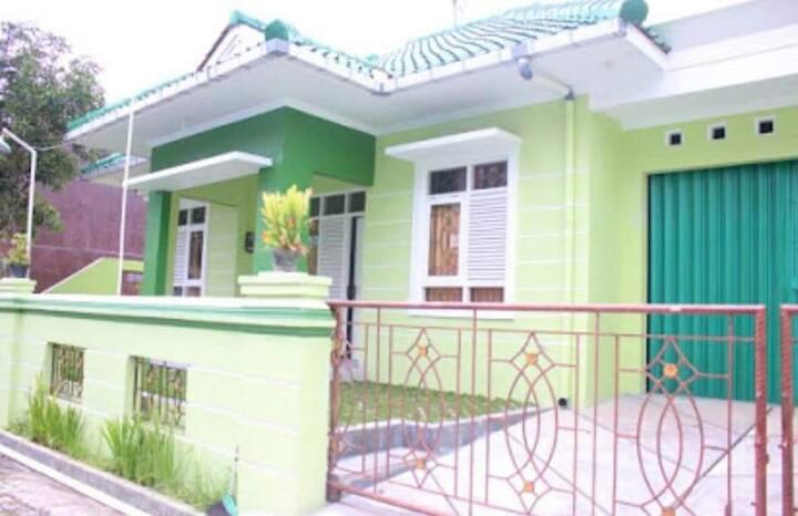 Miadara Amerta Guest House