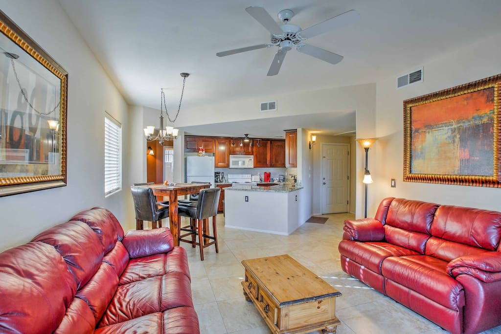 Up to 4 guests can make themselves at home amidst the 1,045 square feet of well-appointed living space.
