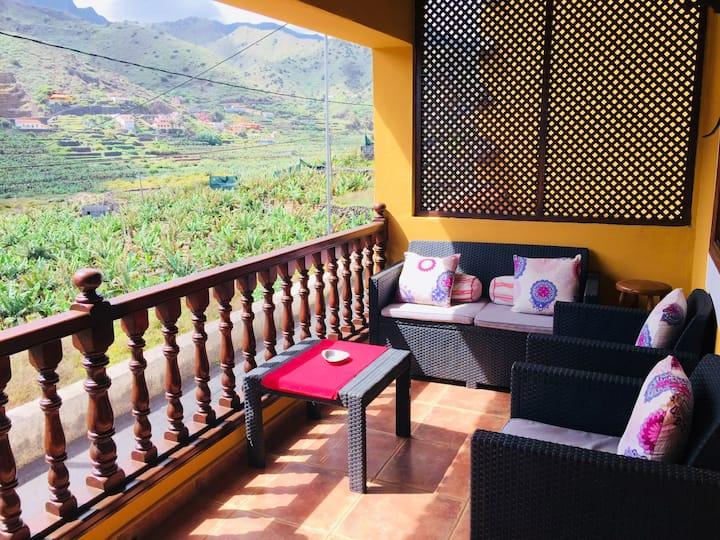 Haus mit 2 Schlafzimmern in Hermigua mit herrlichem Meerblick und möbliertem Balkon - 600 m vom Strand entfernt
