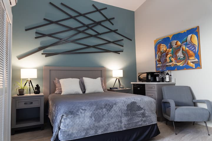 Palm Springs/Palm Desert Guestroom (North)