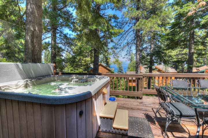 Hot tub AND Lake Views! Dollar Point HOA (with fees). Tahoe City close by!