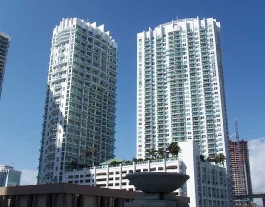 Beautiful Downtowm Brickell Miami Apartments For Rent In