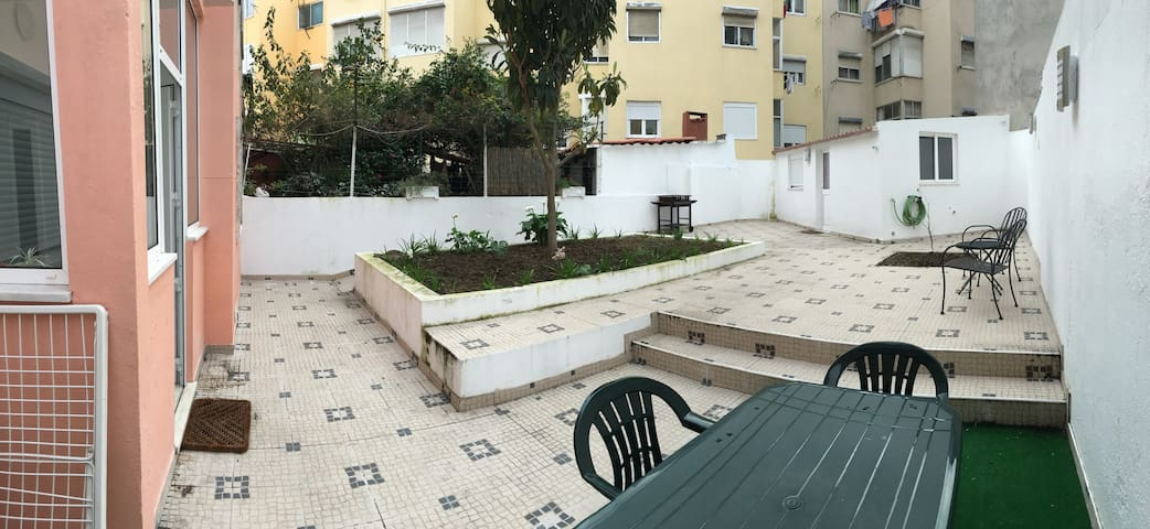Apartment with terrace and independent studio