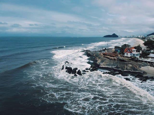 Pedaço do Paraiso em Matinhos, com Sol e Mar.