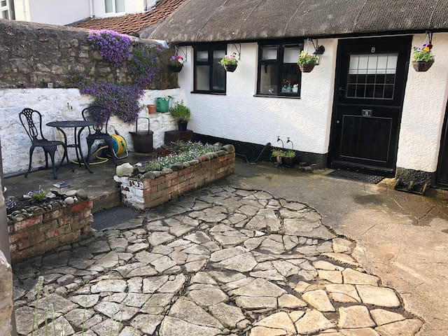 Angel Cottage, a 17th Century thatched cottage