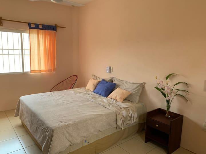 Hermosa habitación Anabella a 10 min del centro
