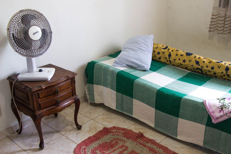 Para a acomodação dos demais viajantes traremos colchões para o quarto.