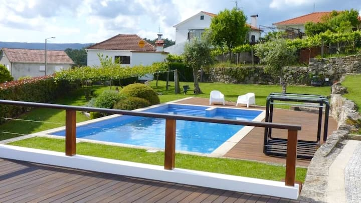House with one bedroom in Prado, with wonderful mountain view, private pool and furnished garden - 10 km from the beach