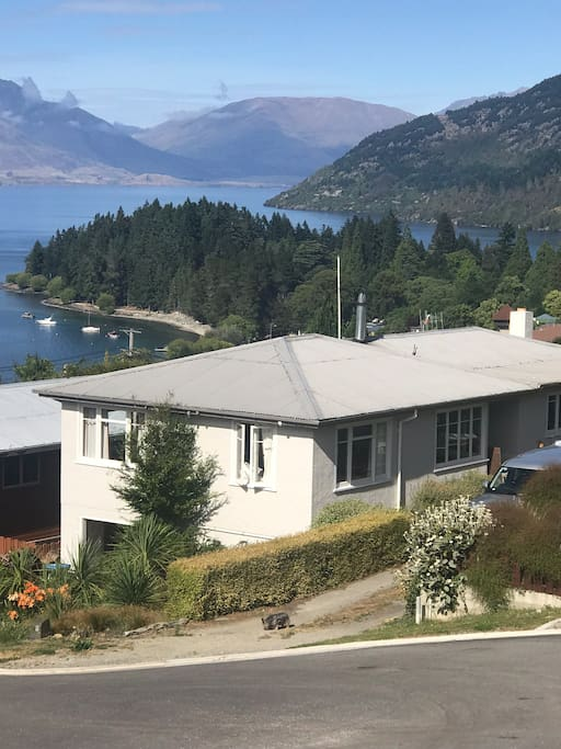 19 Panorama Place - View of House and Lake Wakatipu in Background