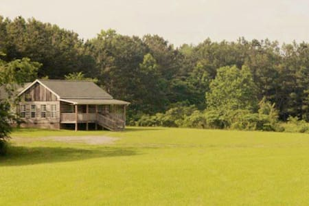 """""""Candlelight Cabin"""" on 120 Acres of Farm & Forest"""