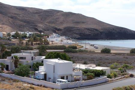 Strandnahe Ferienwohnung Fuerteventura mit Pool - Giniginamar