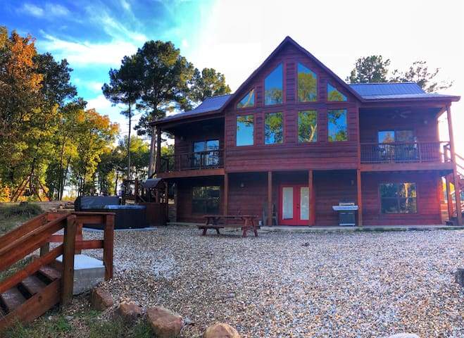 Brand New and Secluded on the Lower Mt. Fork River