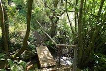 petit pont apprécié des petits et des plus grands...